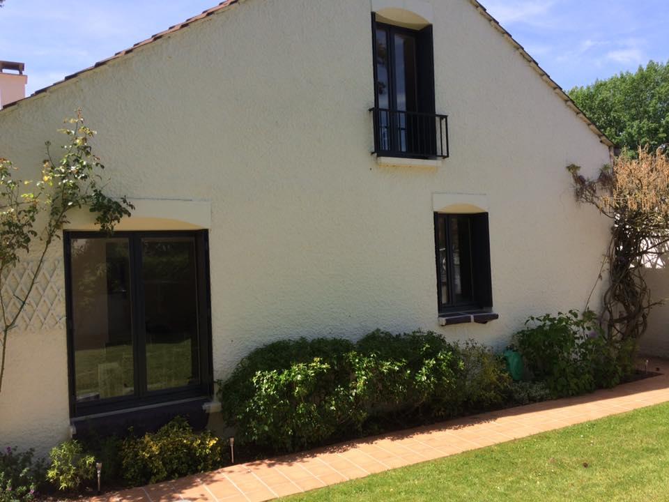facade volets et encadrement fenêtres